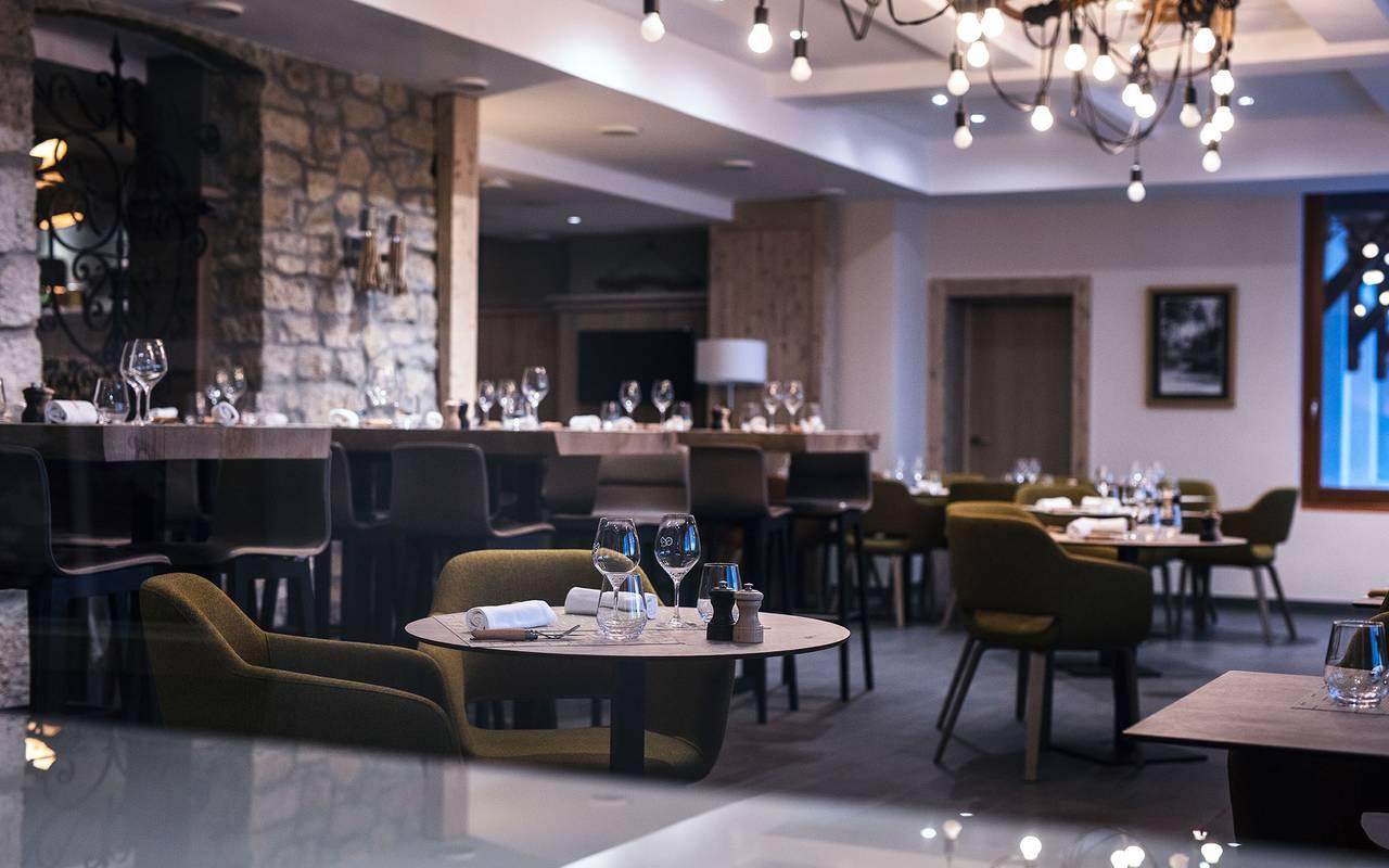 restaurant room, geneva wedding venue, hotel La Mainaz