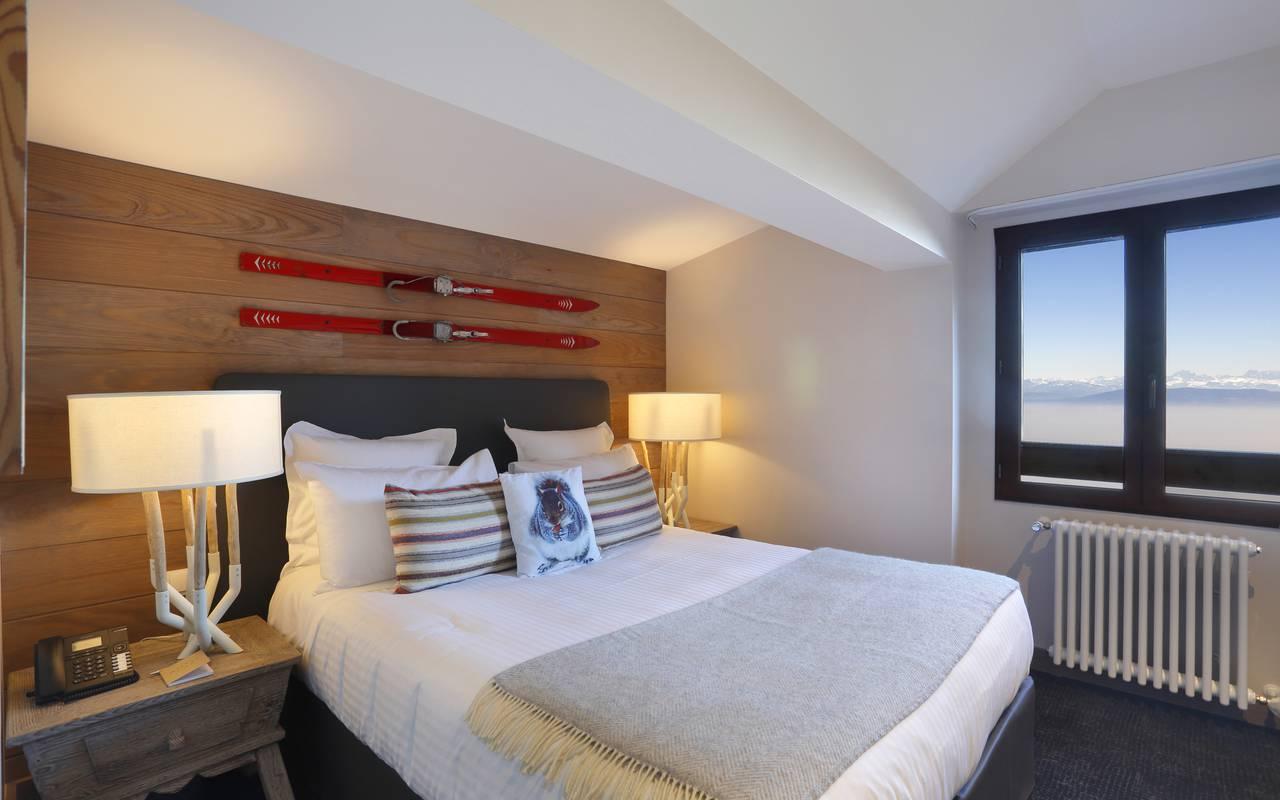 Elegant room, Jura accommodation, La Mainaz
