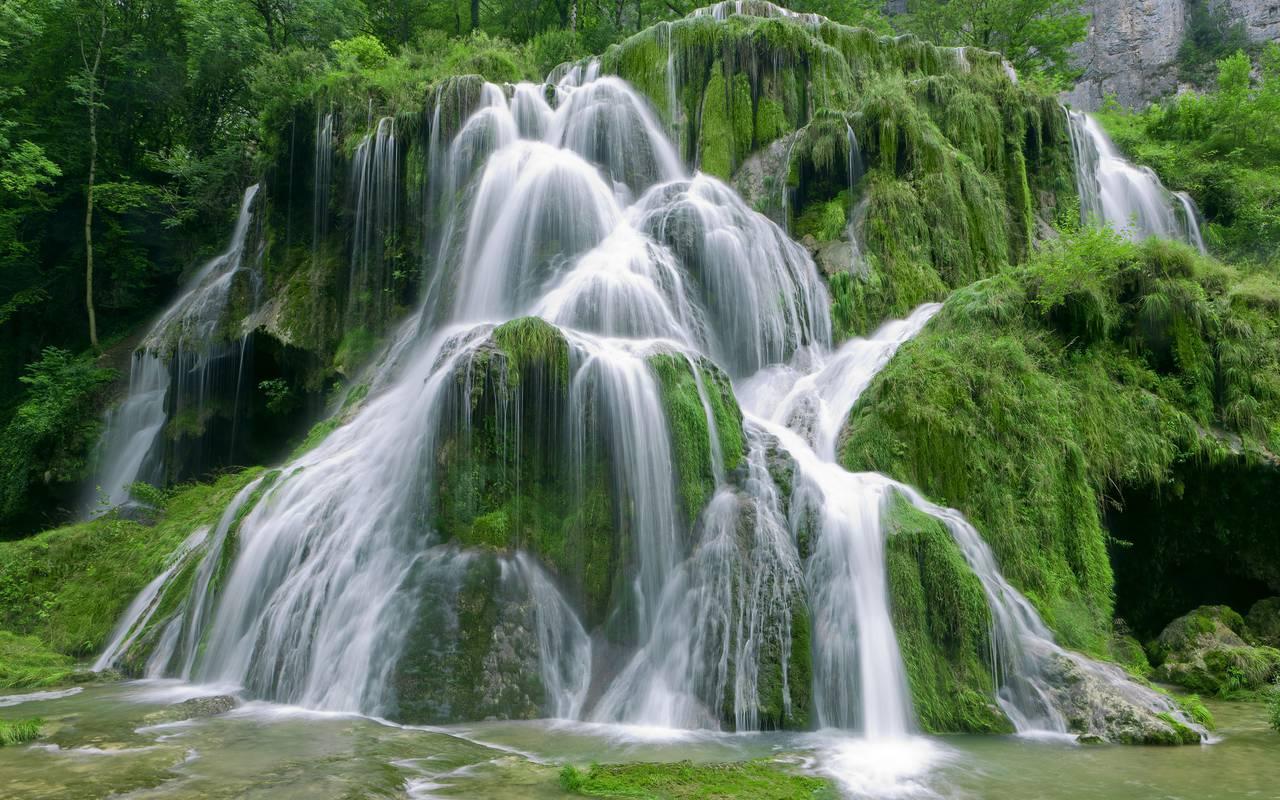 Waterfall, hotel gex, La Mainaz.