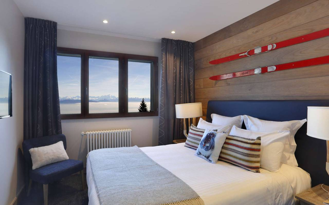 Room with view over the mountains, geneva wedding venue, hotel La Mainaz