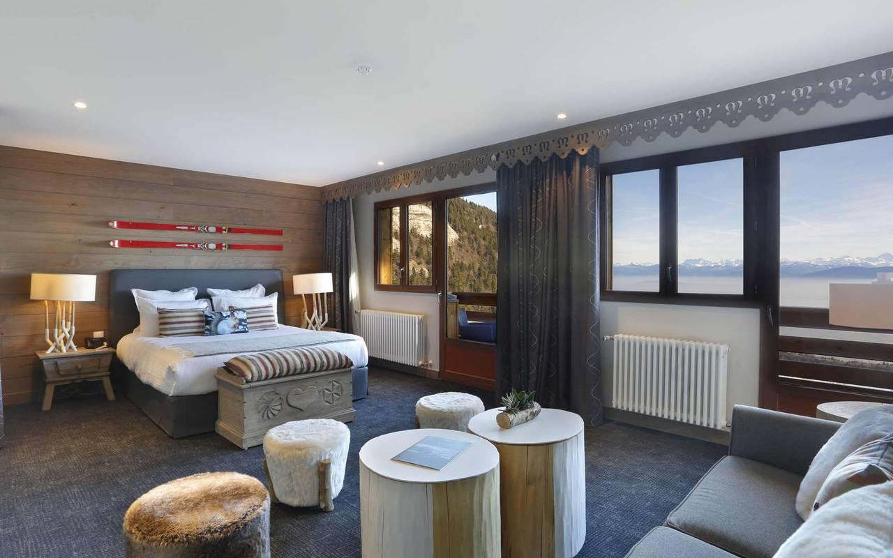 Spacious suite, geneva wedding venue, hotel La Mainaz