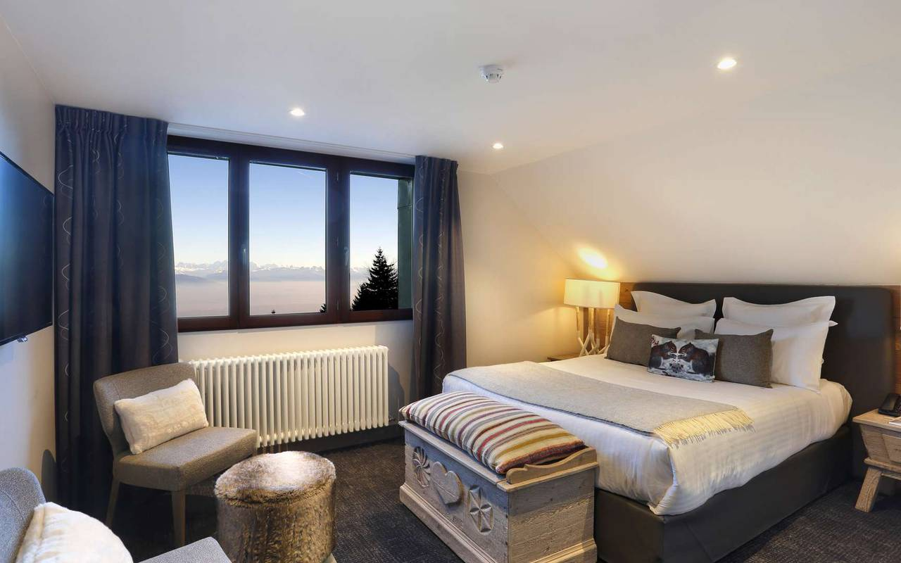 Sophisticated bedroom, geneva wedding venue, hotel La Mainaz