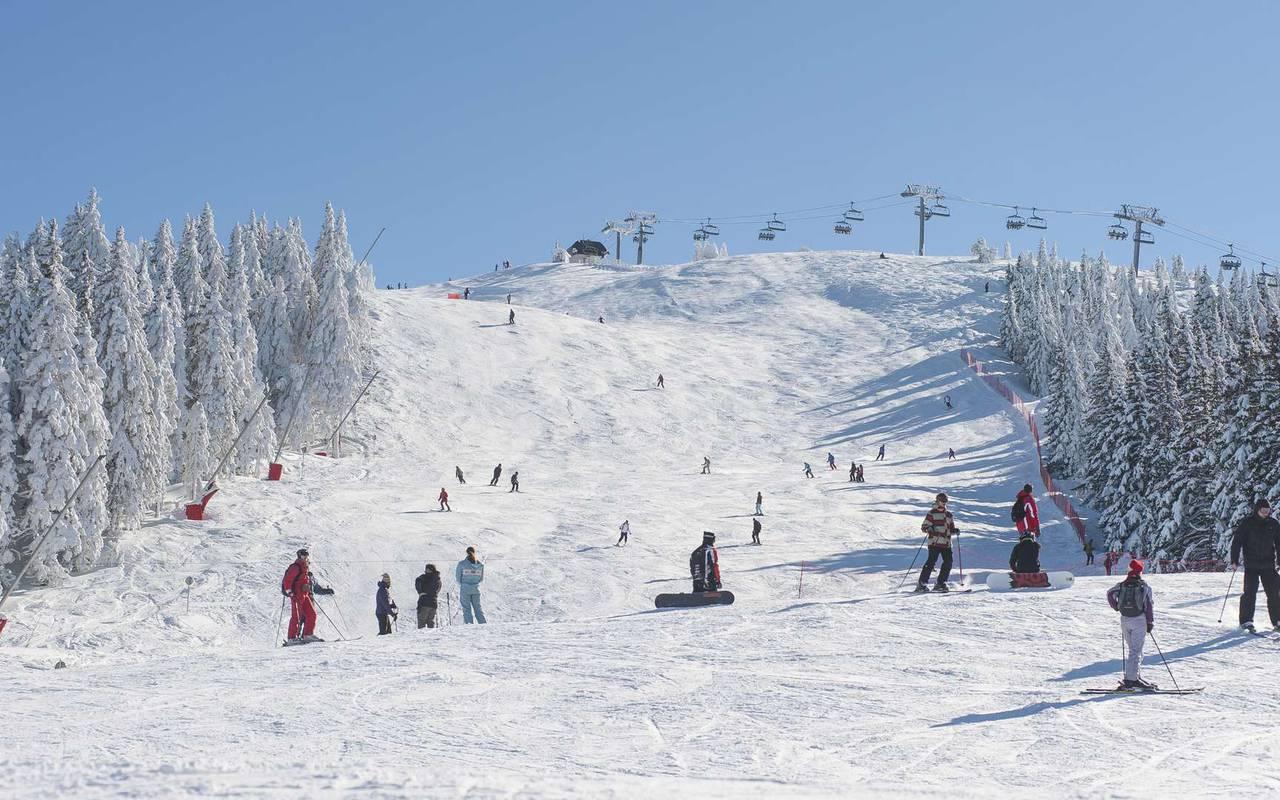 Ski slope, ski resort jura, La Mainaz