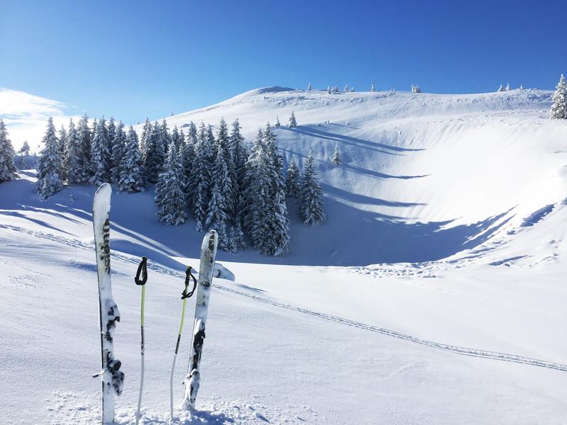 Piste de ski et poudreuse, vacances haut jura, La Mainaz.