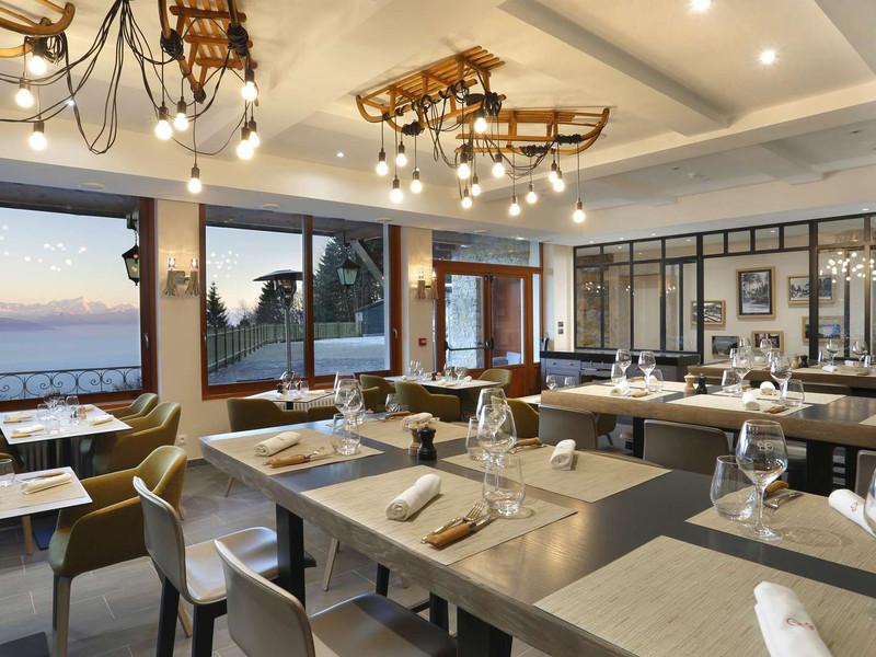 Restaurant avec vue sur le mont Blanc, hôtel mijoux, La Mainaz