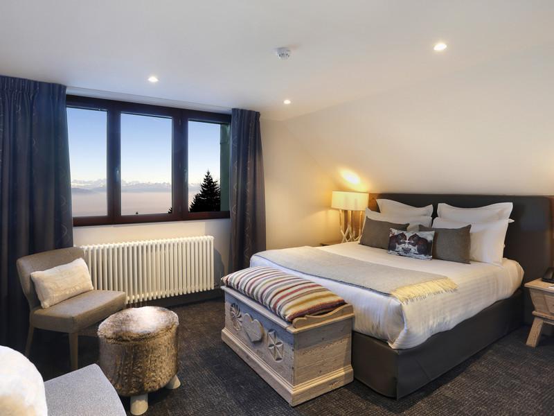 Chambre moderne hôtel 4 étoiles jura La Mainaz