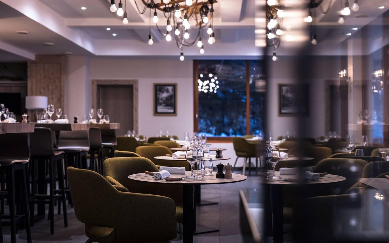 Salle du restaurat luxueuse, hôtel mijoux, La Mainaz