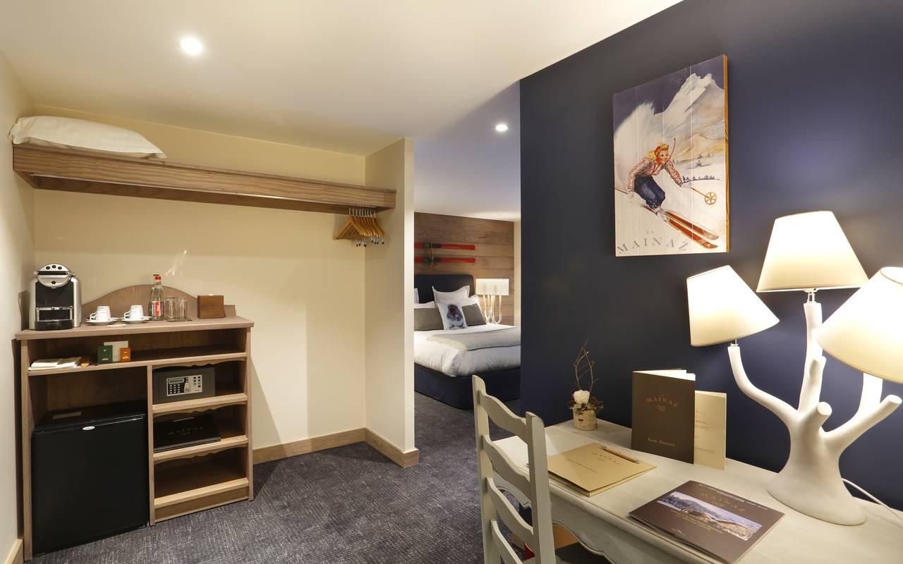 Chambre premium avec coin bureau, hotel frontiere suisse, La Mainaz.