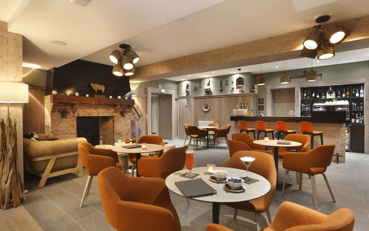 Salon du bar, hôtel mijoux, La Mainaz