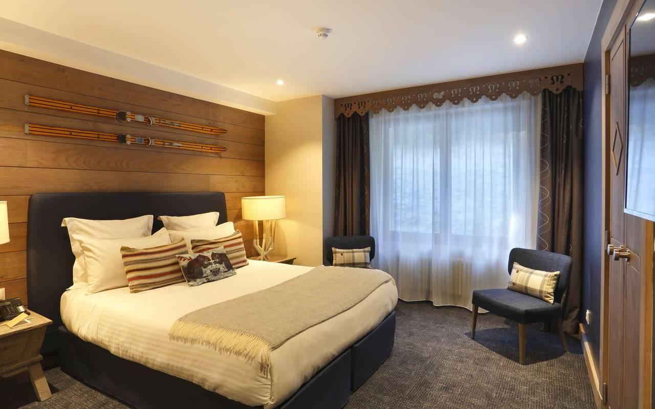 Chambre premium spacieuse et agréable, hotel frontiere suisse, La Mainaz.