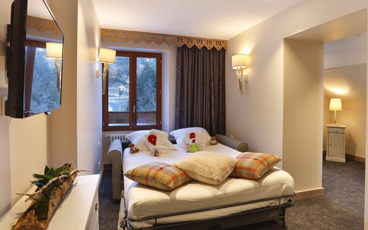 Salon et espace nuit, hôtel mijoux, La Mainaz