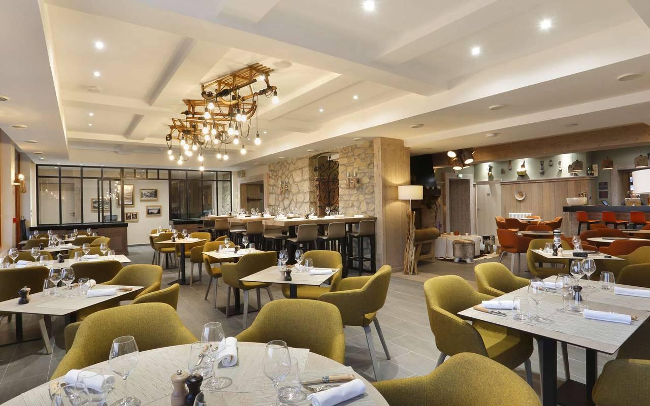 Restaurant gastronomique, hôtel mijoux, La Mainaz