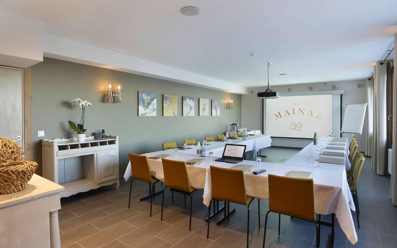 Salle de réunion de notre hôtel de charme proche de Geneve, à Mijoux, La mainaz