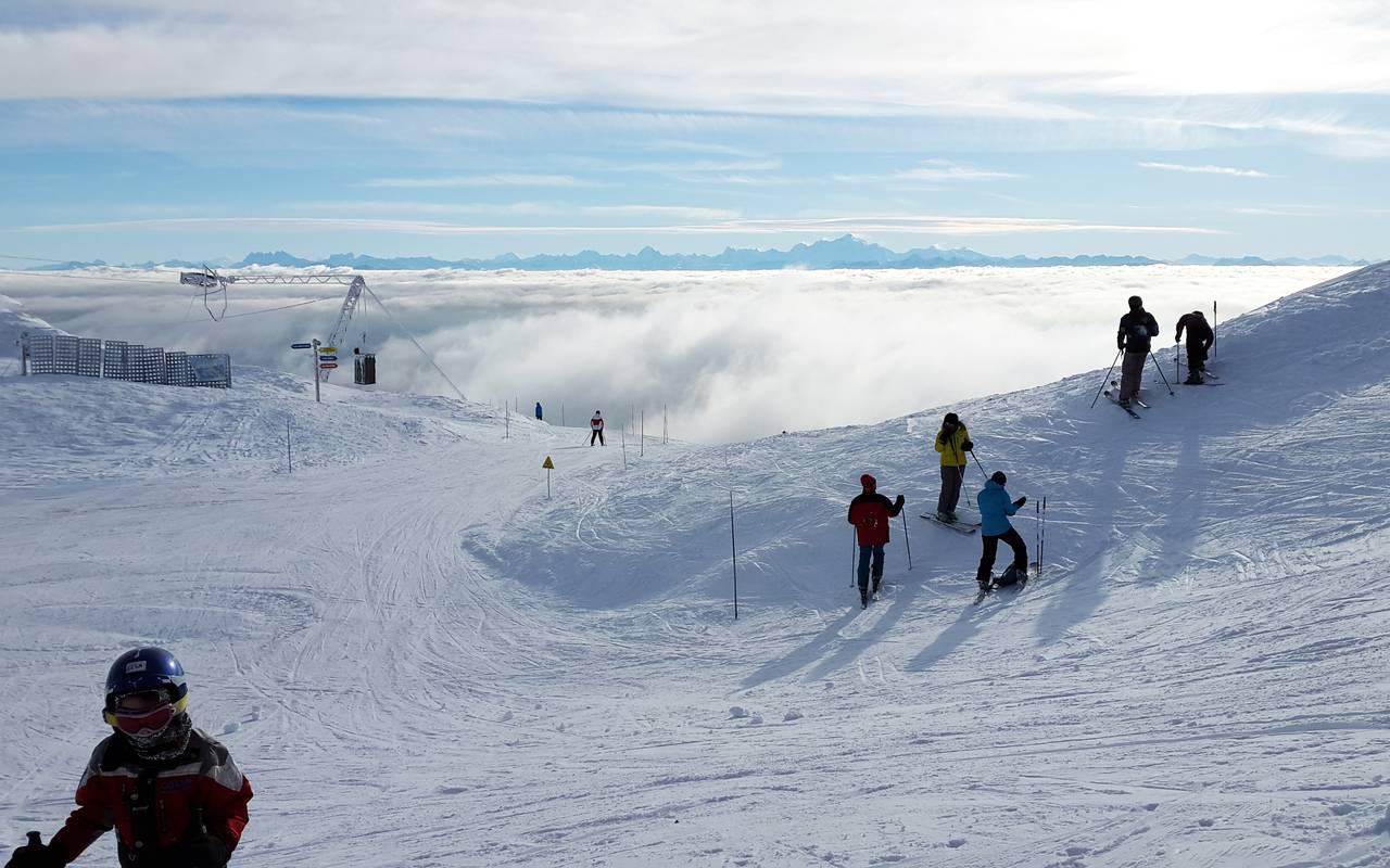 Piste de ski, hôtel Mijoux, La Mainaz